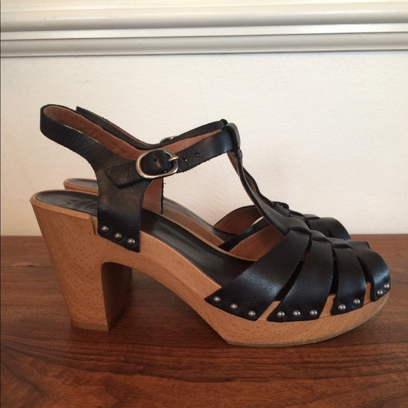 f7563f32882 Lucky Brand Shoes - Lucky Brand Karla Black Leather Clog Sandals 7